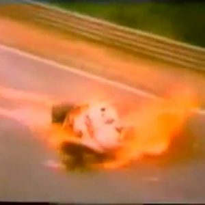 Niki Lauda, quel terribile incidente del Nurburgring che gli sfigurò il volto. 1 agosto 1976 VIDEO
