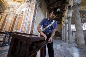 Roma, rubavano le offerte nella Basilica di Santa Maria Maggiore: arrestati bosniaco e romano