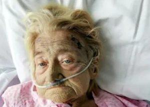 Inghilterra, colpita in testa perché russa troppo: 74enne muore dopo due settimane di agonia