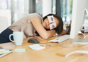 Sonnellino pomeridiano fa male al cuore? Fattore di rischio per malattie cardiovascolari