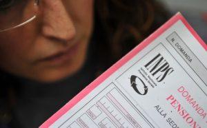 Pensioni: qualche euro in meno per quelle sopra i 1522 euro lordi. L'Inps aspetta giugno. Dopo il voto