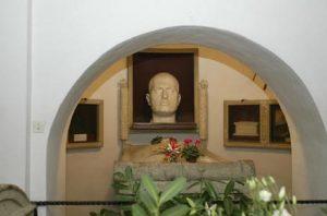 Predappio, nel paese di Mussolini per la prima volta dal dopoguerra vince... il centrodestra (foto Ansa)
