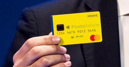 Reddito di cittadinanza, c'è una commissione sulla card: 1 euro a prelievo su Postamat, 1,75 al bancomat