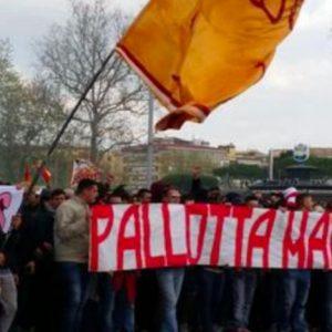 Roma, striscioni contro Pallotta in tutto il mondo: anche a Parigi e Copenaghen