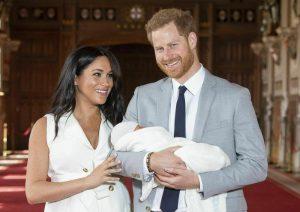 Archie Harrison, tata da 70mila sterline per il royal baby. No tablet, tanti libri
