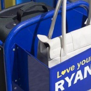 Ryanair cambia ancora le regole del bagaglio a mano