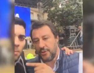 salvini selfie salerno