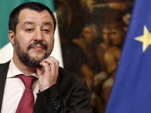 """Salvini: """"Io dalla Gruber, che simpatia"""". Lei: """"E' lui che si è proposto. Può anche restare a casa"""" (foto Ansa)"""