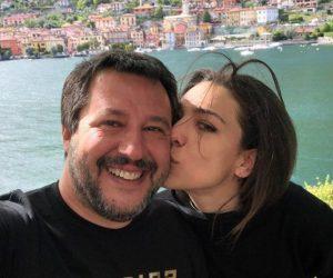 """Salvini, la foto con Francesca Verdini per smentire il gossip: """"Bacioni a tutti voi. Vi vogliamo bene"""""""