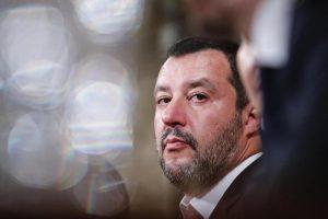 """Salvini: """"Tg1, Tg5, TgLa7 dicono fesserie"""". Mentana risponde per tutti: """"Dovremmo parlare del Vinci Salvini..."""""""