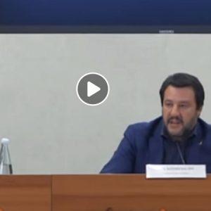 """Salvini: """"La Raggi indagata da anni è ancora al suo posto""""2"""
