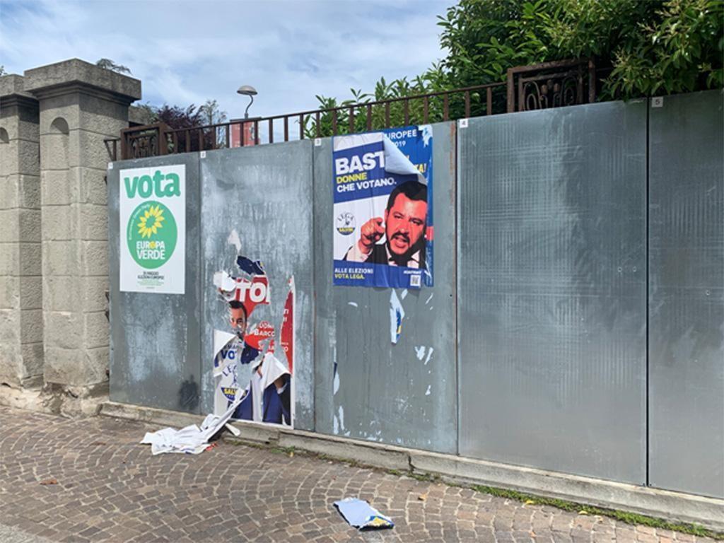 A Bologna finti manifesti elettorali di Salvini e Di Maio