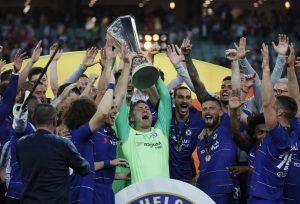 Sarri trionfa in Europa League, arrivano i complimenti del Napoli