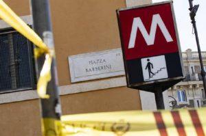 Roma, donna cade dalle scale mobili della fermata Torre Spaccata (foto d'archivio Ansa)
