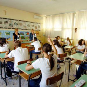 Scuola, torna educazione civica: prima lezione pessima alle elementari