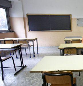 Villabate, ragazzini distruggono il liceo per imitare videogame Fortnite