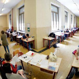 Scuola, 160 euro al mese di aumento per i presidi. Il ministro Bongiorno firma