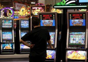 Gioco d'azzardo, Eurispes: reprimere il gioco legale favorirà quello illegale e la criminalità