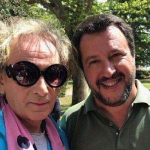 """Salvini, il sensitivo Solange: """"Gli ho letto la mano, sarà premier e tornerà la Isoardi"""""""