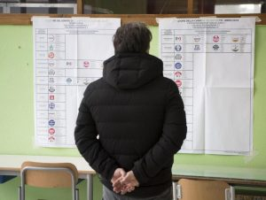 Sondaggio La7: Lega al 30,7%, M5S al 22,7%. Il caso Siri restituisce a Di Maio il punto tolto a Salvini