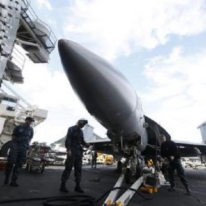 Stati Uniti, schierati 20 missili in grado di distruggere l'elettronica militare della Corea del Nord (foto Ansa)