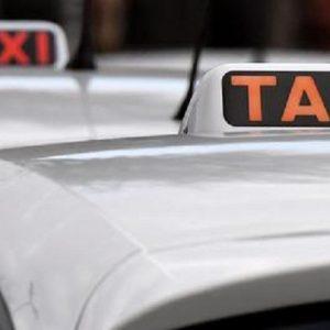 Amburgo, rientrano dall'ospedale dopo il parto e dimenticano il figlio in taxi