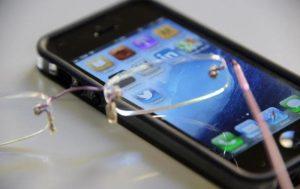 Ue, taglio ai costi di telefonate internazionali e sms: massimo 19 cent al minuto e 6 cent