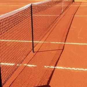 Casette Verdini (Macerata), malore mentre gioca a tennis: muore il vicecomandante dei vigili urbani