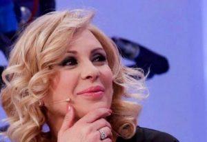 """Grande Fratello, Tina Cipollari su Ambra e Kikò Nalli: """"Lei è molto bella, ma non sarà mai come me"""""""
