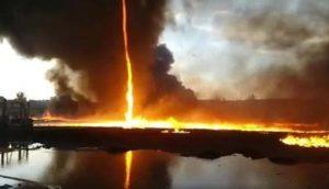 Usa, almeno tre vittime per il tornado che si è abbattuto in Missouri (foto Ansa)