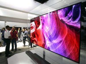 LG, vendite schermi tv OLED in calo, quello di Samsung conquista il mercato