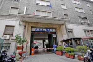 Napoli, sfiorato un altro caso Noemi: agguato di camorra in ospedale, spari al Vecchio Pellegrini