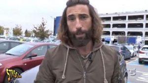 Striscia la Notizia, Vittorio Brumotti minacciato di morte sui social: 2 giovani denunciati a Monza