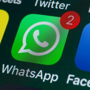 """WhatsApp, attacco hacker: spiati telefoni selezionati. """"Aggiornate l'App"""""""