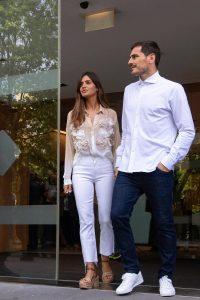 """Casillas esce dall'ospedale con Sara Carbonero: """"Non so se giocherò ancora, l'importante è stare qui"""""""