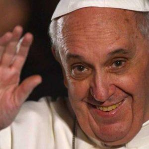 Papa Francesco, se vendesse un po' dei 2 milia miliardi di immobili...