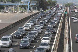 A4, schianto tra quattro tir in autostrada: morto un camionista