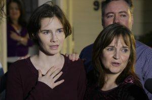 """Amanda Knox: """"Sto tornando da donna libera"""". Prima volta in Italia dopo l'assoluzione"""