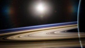 Saturno, svelato mistero degli anelli: scolpiti da impatti e lune