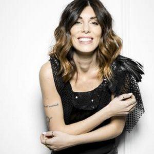 """Bianca Atzei, nuovo singolo. Il compagno Stefano Corti: """"Ottimo per gli stitici"""""""