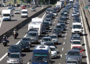 A1, scontro in autostrada tra due tir: traffico e coda a Calenzano