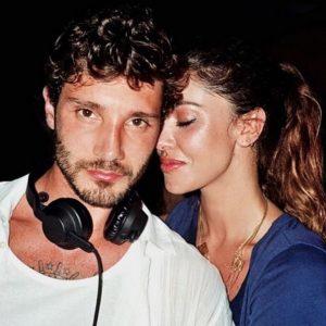 """Belen Rodriguez e l'allusione social su Stefano De Martino: """"Lui sa fare tutto"""""""