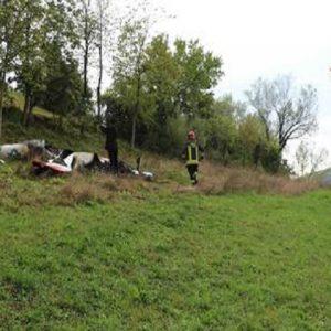 Urgnano (Bergamo), precipita ultraleggero: muore pilota 60enne (foto d'archivio Ansa)