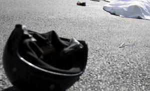 Genova, incidente sulla autostrada A12: perde il controllo della moto e muore a 25 anni