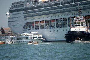 venezia nave battello