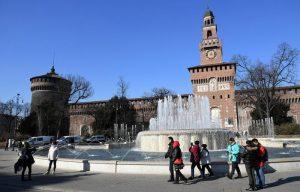 """Milano. Il Castello Sforzesco trema. Con la metro vibrazioni triplicate: """"Micro terremoto"""""""