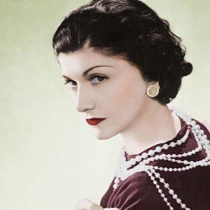 Coco Chanel, amante di miliardari, reali e persino un top Nazi. In un libro tutti gli scandali