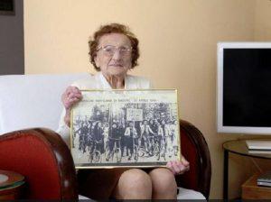 """Emma Fighetti è morta: addio alla partigiana """"sarta"""" della Resistenza. Aveva 108 anni"""