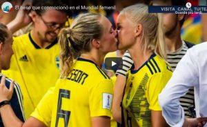 Eriksson-Harder, bacio al Mondiale Femminile unisce Svezia a Danimarca