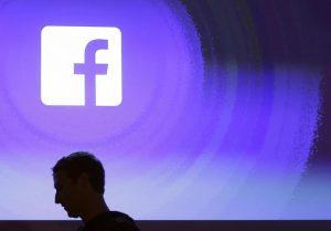 """Facebook multata (1 mln) da Garante Privacy: 57 utenti avevano scaricato l'app, a 200mila """"amici"""" rubati i dati"""